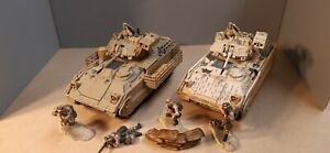 Forces of Valour 1/32 US M3A2 Bradley x2 with troops