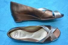 HOMY PED COMFORT SHOES Size 7 GOLD/BRONZE Leather NEW Peep Toe Genevieve STYLE