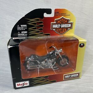 Harley-Davidson 2011 Series 29 Motorcycle: MAISTO: 1:18: FAT BOB: New Box Issues