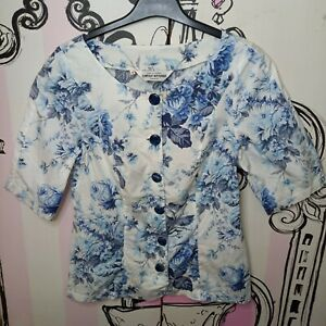 Size 10 Carole Richard Unusual Buttons White Blue Floral Feminine Fit Shirt