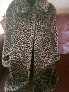 Leopard Print Faux Fur Coat Jacket Size 16 Very warm and thick