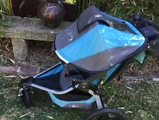 BOB Revolution running Stroller - excellent conditon. With detachable snack tray