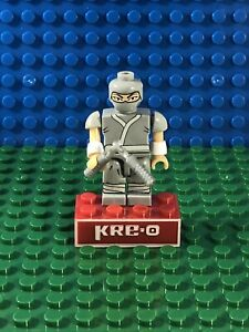 Grey Ninja w/Chucks Cobra KRE-O Minifigure GI Joe Kreo Kreon