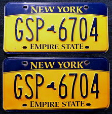 "Nummerschilder Paar USA New York ""EMPIRE STATE"" mit kleiner Map ""GSP"". 13511."