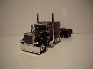 DCP FIRST GEAR 1/64 GRAY AND BLACK PETERBILT 379 WITH 63'' FLAT TOP SLEEPER