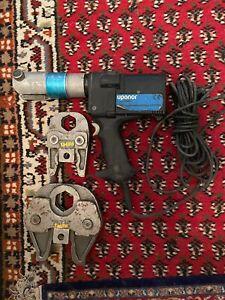 Uponor UP75 Presszange Pressmaschine Mit V35 V42 Backen Pressbacken.