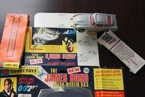 Corgi Toys First Issue James Bond  SilverAston Martin Blisterpak ... NOS