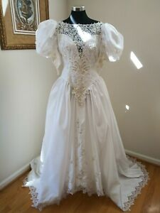 Vintage 90's White Wedding Dress with Lace, Pearl Shaped Beads Size 14W byVenus