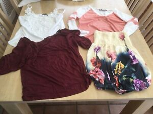4 X Yonis Ladies Size S/M Tops.                      g