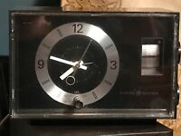 Vintage  General Electric AM Retro Alarm Clock Radio Model C1401A GE WORKS