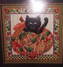 Mill Hill Buttons Beads Autumn Series Peek-a-Boo Pumpkin Counted Cross Stitch