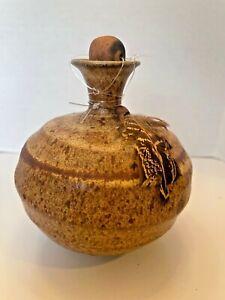 "Vtg ROGER BUTLER Handmade 4.5"" Brown Stoneware POTTERY Bud Vase Feather Signed"