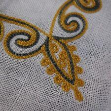 Napperon lin rectangle blanc broderie gris or Art Déco fait main France N7199