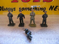 DINKY TOYS N°150 -  5 ORIGINAL pieces from the Royal Corp Tank Personnel