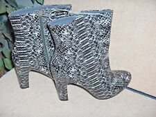 WOMENS  SIZE 8.5  * VERY VOLATILE * ANKLE BOOTS   NEW
