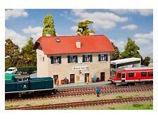 Bahnhof Neufeld  // Faller 131270  // Spur H0