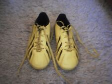 BOY'S ADIDAS F5 TRX FG MOULDED SOCCER / FOOTBALL BOOTS - SIZE 4