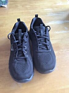 Black Memory Foam Skechers UK Size 5 In Great Condition