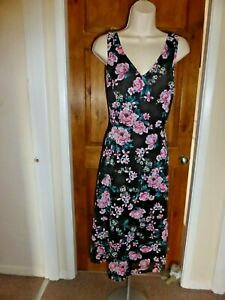 Pretty black and pink floral chiffon dress from Billie and Blossom size 16