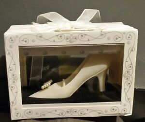 Wedding favors gift boxed Bridal Scented Candle white heel shoe pump potpourri