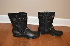 Arturo Chiang Short black boots with silver studs