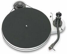 Pro-Ject RPM 1.3 Genie Plattenspieler + Ortofon 2M Red Hochglanz Weiss