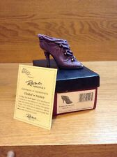 Raine Just the Right Shoe Coa Box Cloaked in Mystery 25113