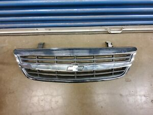 2001-2005 Chevy Chevrolet Venture Van Front Grill Grille Assembly Chrome OEM