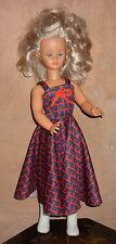 poupée mannequin CATHIE BELLA blonde yeux bleus mèche + tenue