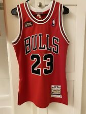Mitchell & Ness Chicago Bulls Authentic Jersey Michael Jordan Size 36 Small