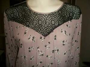 Maurices Floral Blouse size XXL Slit Sleeves Beautiful