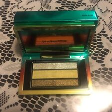 "BNIB, MAC Veluxe Pearlfusion Eyeshadow Trio ""GREEN CLEAN"""", Wash & Dry Collectio"