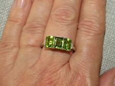 HEBEI PERIDOT AND DIAMOND RING-SIZE S-2.750CTS-WITH PLATINUM