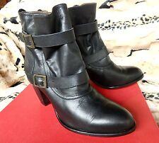 Robert Robert Designer Boots, Black Glove Leather, New & Perfect Size 40