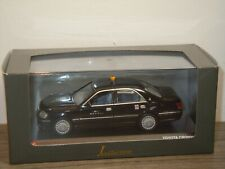 Toyota Crown Private Taxi - J-Collection Kyosho 1:43 Box *36918