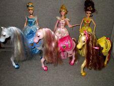 Barbie Disney Princess-Aurora-CINDERELLA-Belle- & Horses Saddles  Lot e5