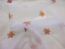 BIANCO con Arancione Petali di fiori, floreale stampato Organza tessuto per tende.
