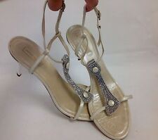 Gianna Meliani 10 40 $399 swarovski tstrap evening wedding sandals pearl white