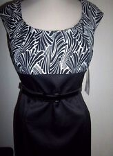 LONDON TIMES MS SIZE 10 BLACK & WHITE SCOOP NECK PLEATED TOP SHEATH DRESS