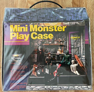 MINI MONSTER PLAY CASE REMCO 1980 VINTAGE CLASSIC TOYS UNIVERSAL CITY STUDIOS VG