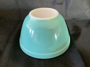 Vintage Pyrex Robins Egg Aqua Blue Turquoise Round Mixing Bowl 1 1/2 Pint #401
