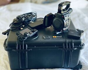Canon EOS C200 Cinema Camera - (69hrs ONLY) Pelican Case/ EVF & CFast Card