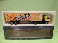 LION CAR DAF 75 CF 310 TRUCK + TRAILER - FRICO CHEEZ'ÍT - 1:50 - GOOD IN BOX