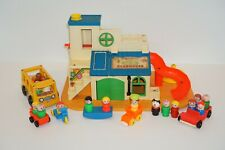 Vintage Fisher Price Little People Sesame Street Clubhouse #937 with 25+ Pieces