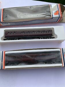 Lima Coaches BR Maroon X 2 Boxed. N gauge.