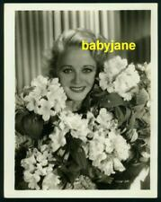 WYNNE GIBSON VINTAGE 8X10 PHOTO LOVELY PORTRAIT W/ FLOWERS PARAMOUNT PICTURES