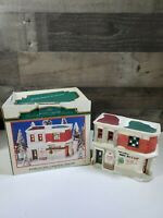 THE HERITAGE HAMLET COLLECTION-ANIMAL HEALTH CLINIC AND GROOMER LIGHTED BUILDING