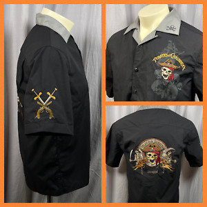 Disneyland Resort Pirates Of The Caribbean Mens Camp Shirt Small Embroidered
