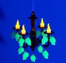 GLOW-IN-THE-DARK LED KERZENLEUCHTER MIT TOTENKÖPFEN Leuchtet giftgrün Helloween