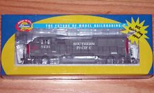 ATHEARN 94722 GP40X WITH ELEPHANT EARS SOUTHERN PACIFIC 7231 DCC INSTALLED